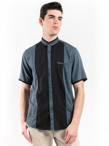 SHORT SLEEVES PATTERNED SHIRT WITH MOCK LAYER COLLAR