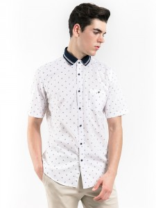 SHORT SLEEVES PRINTED SHIRT WITH RIP COLLAR